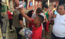 Cuban migrants receive Red Cross aid