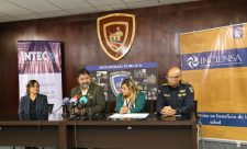 Ministry of Public Security and Inciensa sign agreement.
