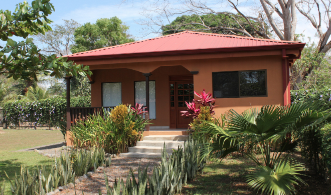 Houses from US $10,000 and land from US $2,000: Costa Rica